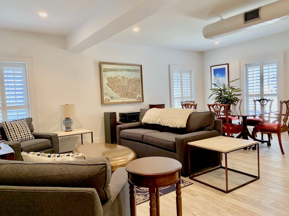 Suite 100 - Living and Dining Room